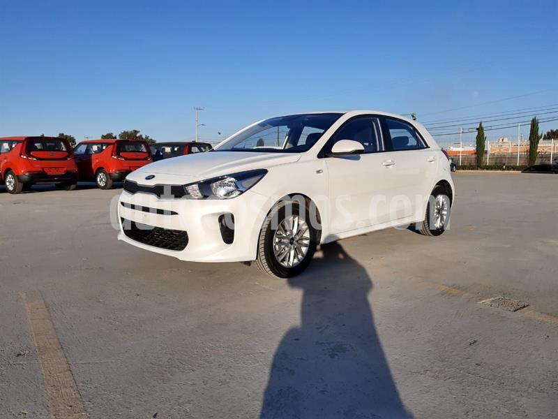 Kia Rio Sedan LX usado (2020) color Blanco precio $251,000