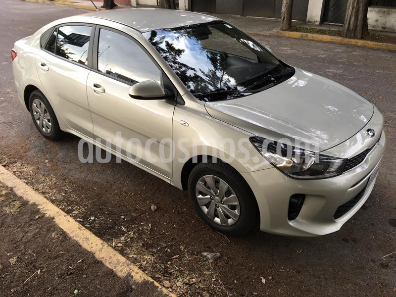 Kia Rio Sedan LX usado (2019) color Beige precio $188,000