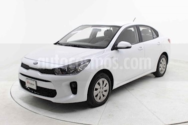 Kia Rio Sedan LX Aut usado (2018) color Blanco precio $175,000