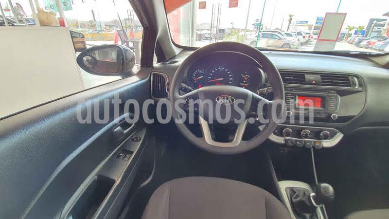 Kia Rio Sedan LX usado (2017) color Cafe precio $150,000