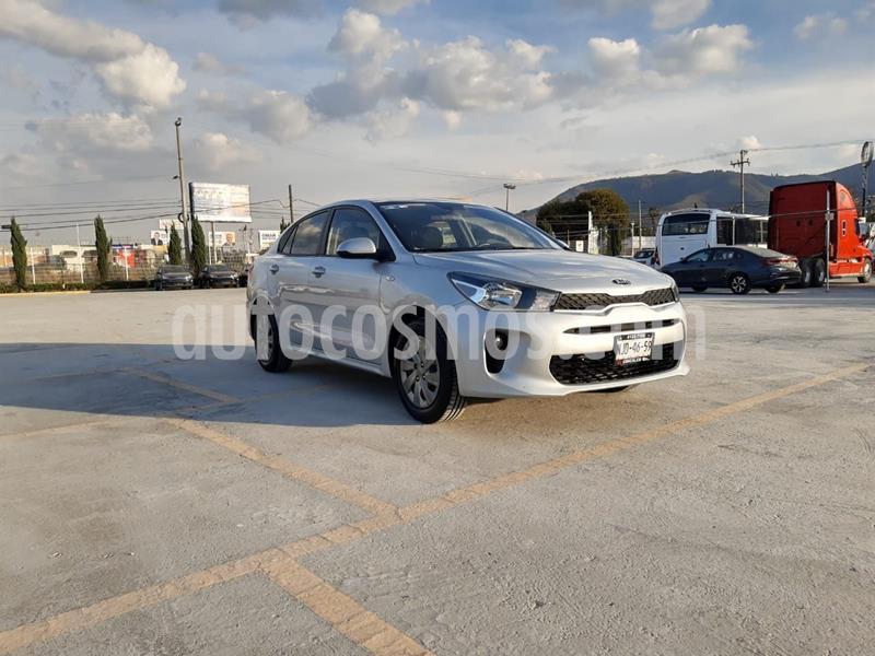 Kia Rio Sedan EX usado (2020) color Plata Dorado precio $210,000