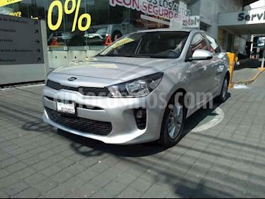 Kia Rio Sedan L Aut usado (2018) color Plata precio $219,000