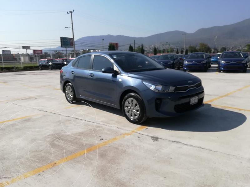Foto Kia Rio Sedan L usado (2020) color Azul Acero precio $228,160