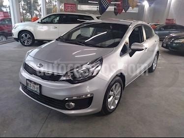 Foto Kia Rio Sedan EX usado (2017) color Plata precio $189,000