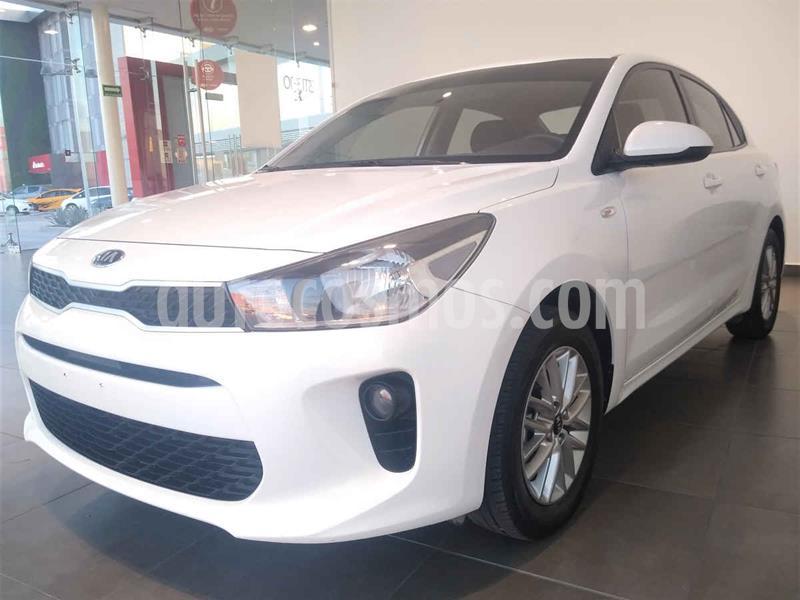 Kia Rio Sedan LX usado (2018) color Blanco precio $205,000