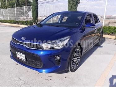 Kia Rio Sedan 5P HB EX PACK TA VE QC PIEL F. NIEBLA RA-17 usado (2019) precio $275,000