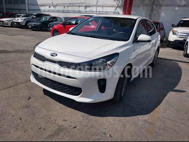 Kia Rio Sedan LX Aut usado (2019) color Blanco precio $209,000