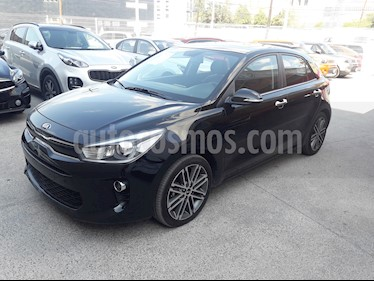 Kia Rio Sedan EX Pack Aut usado (2019) color Negro precio $304,000