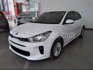 Kia Rio Sedan LX usado (2018) color Blanco precio $210,000
