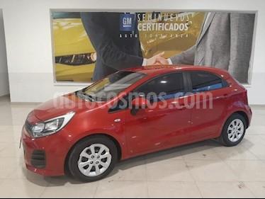 Kia Rio Sedan 5P HB LX TM6 VE DEL. R-15 usado (2017) color Rojo precio $168,900