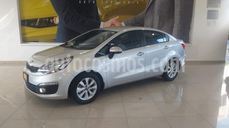 Kia Rio Sedan EX usado (2017) color Plata Dorado precio $195,900