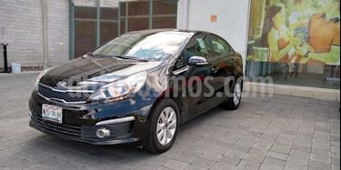 Kia Rio Sedan EX usado (2017) color Negro precio $200,000
