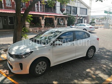 Kia Rio Sedan L Aut usado (2019) color Blanco Glaciar precio $185,000