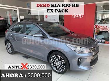 foto Kia Rio Sedán EX Pack Aut usado (2020) color Gris precio $300,000