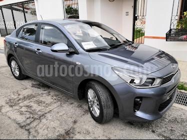 Kia Rio Sedan LX Aut usado (2018) color Gris precio $185,000