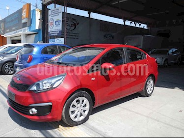 Kia Rio Sedan LX usado (2017) color Rojo precio $159,900