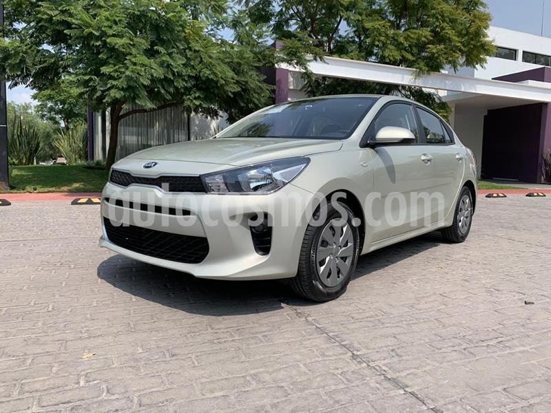 Kia Rio Sedan L Aut usado (2020) color Plata Dorado precio $239,000