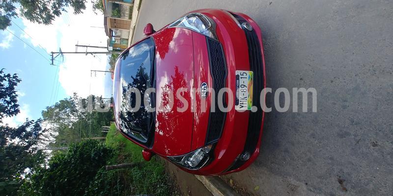 Kia Rio Sedan LX usado (2017) color Rojo precio $150,000