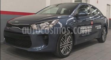 Kia Rio Sedan 4P EX AT A/AC AUT. VE PIEL F. NIEBLA RA-15 usado (2019) color Azul precio $285,000