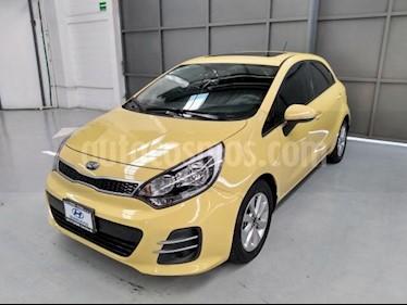 Foto Kia Rio Sedan 5p EX L4/1.6 Man usado (2017) color Amarillo precio $205,000