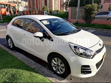 KIA Rio 1.4L usado (2016) color Blanco precio $35.500.000