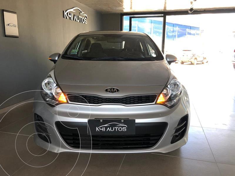 KIA Rio EX 4P usado (2017) color Plata precio $1.435.200