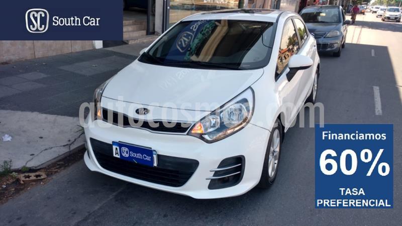 KIA Rio EX 5P Aut usado (2016) color Blanco precio $765.000