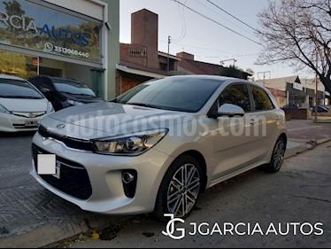 KIA Rio SX 1.6 5P Aut usado (2018) color Gris Claro precio $2.190.000