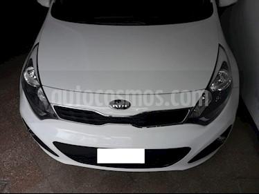 KIA Rio EX 5P Aut usado (2014) color Blanco precio $490.000