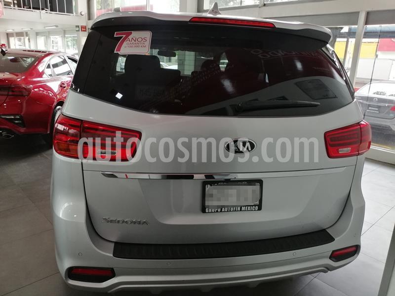Kia Sedona SXL usado (2020) color Plata precio $746,900