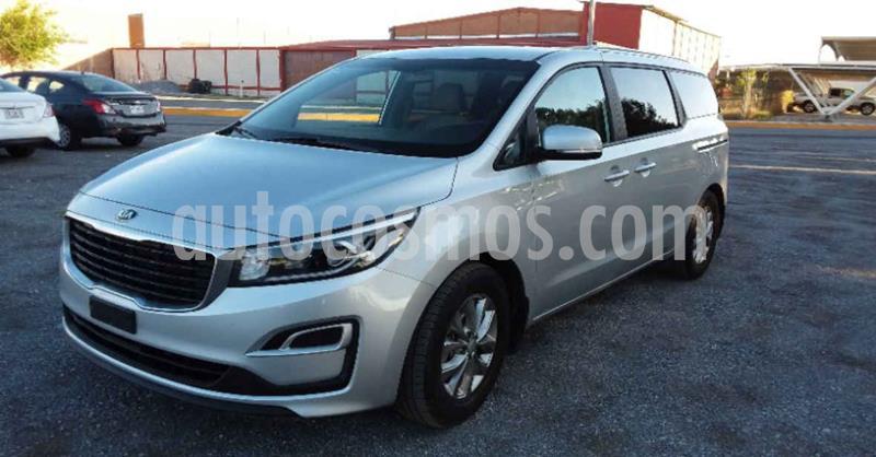 Kia Sedona LX usado (2020) color Plata precio $454,900