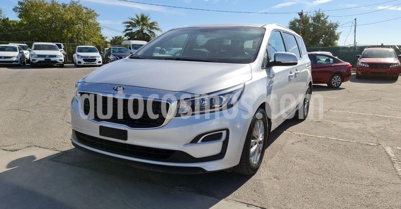 Kia Sedona LX usado (2019) color Plata Dorado precio $439,900