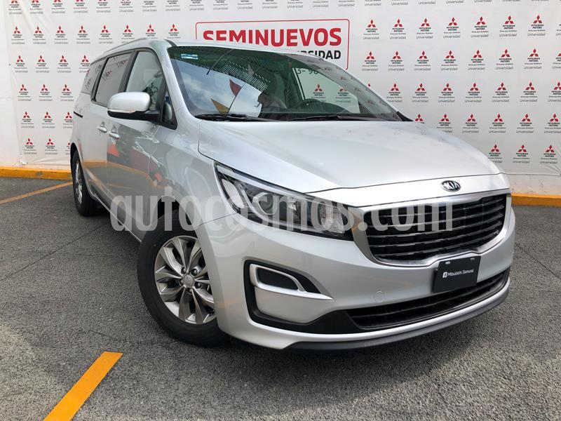 Kia Sedona LX usado (2020) color Plata precio $448,000