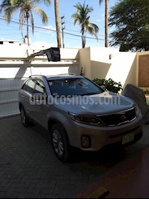 Foto venta Auto usado KIA Sorento 2.4 LX 4x2 (2013) color Plata Brillante precio u$s15,500