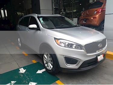 Foto venta Auto usado Kia Sorento 2.4L LX 5 Pas (2018) color Plata Brillante precio $349,000