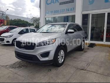 Foto venta Auto usado Kia Sorento 2.4L LX 5 Pas (2018) color Plata precio $358,900