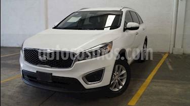 Foto venta Auto usado Kia Sorento 2.4L LX (2017) color Blanco precio $305,000