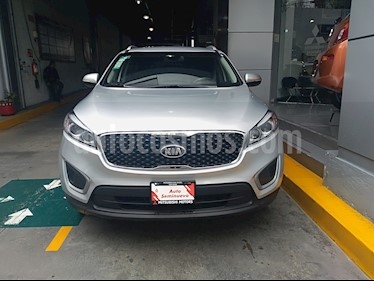 Foto venta Auto usado Kia Sorento 2.4L LX (2018) color Plata Brillante precio $349,000