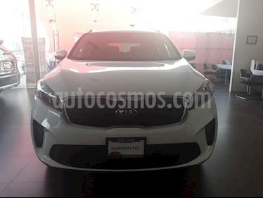 Foto venta Auto Seminuevo Kia Sorento 2.4L LX (2019) color Blanco Perla precio $415,000