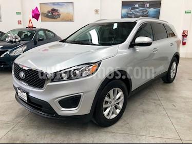 Foto venta Auto usado Kia Sorento 2.4L LX (2018) color Plata Brillante precio $380,000