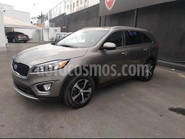 Foto venta Auto Seminuevo Kia Sorento 3.3L EX (2017) color Gris precio $374,000