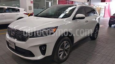 Foto venta Auto usado Kia Sorento 5p EX V6/3.3 Aut (2019) color Blanco precio $539,000