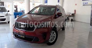 "Kia Sorento 5 pts. LX, L4, TA 6Vel, A/AC, Tela, 7 pas., RA-17"" usado (2019) color Rojo precio $359,900"