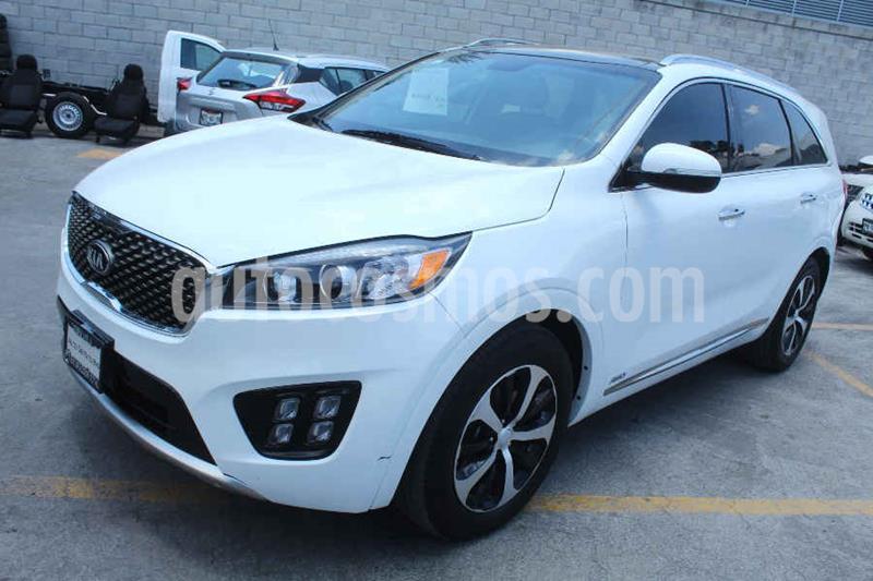 Kia Sorento Version usado (2018) color Blanco precio $435,000