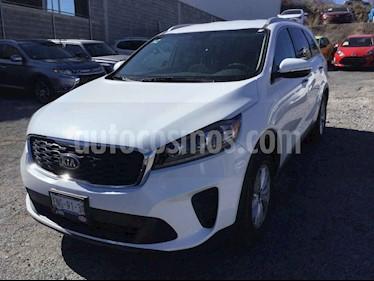 Kia Sorento 5p LX L4/2.4 Aut 7 Pas usado (2019) color Blanco precio $398,000