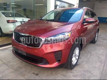 Kia Sorento 2.4L LX 5 Pas usado (2019) color Rojo precio $374,900