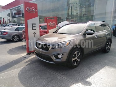 Kia Sorento 3.3L EX Pack Nav 7 Pas usado (2016) color Plata precio $328,900