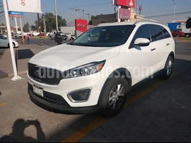 Kia Sorento 5p LX L4/2.4 Aut usado (2017) color Blanco precio $310,000