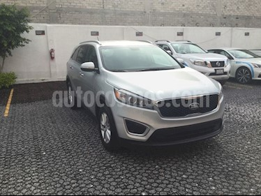 Foto venta Auto usado Kia Sorento SORENTO 2.4 LX AT 7P (2018) color Plata Brillante precio $350,000