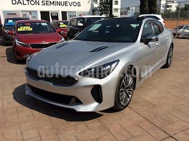 Foto venta Auto Seminuevo Kia Stinger GT Line (2018) color Plata precio $545,000